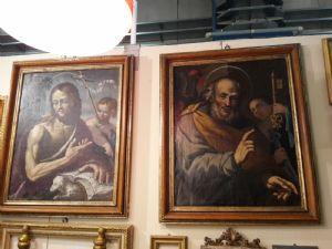 Paire de peintures sur toile, Saint-Pierre et Saint-Jean-Baptiste, dans le cadre.