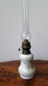 Lampada da tavolo a petrolio