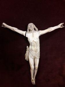 Cristo de marfil Sec XVI