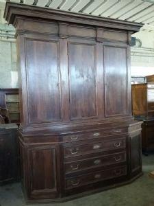 Корпусная мебель из орехового дерева h300xl240xp82