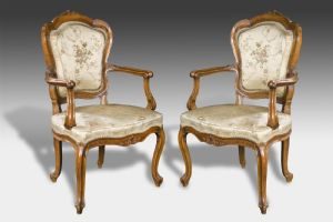 Elegant couple of armchairs Venezia Sec. XVIII