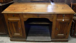 grande scrivania da centro, in legno di noce
