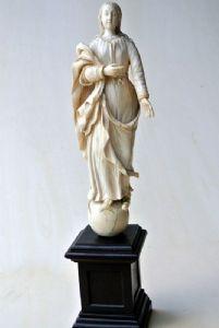 Santa vergine d'avorio