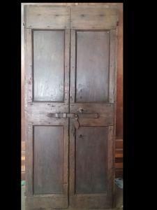 porta de batente duplo