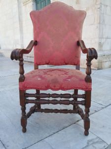 Bella poltrona in noce a rocchetto h130xl68 p59 al bracciolo allaseduta 49 seduta h53 epoca 1800