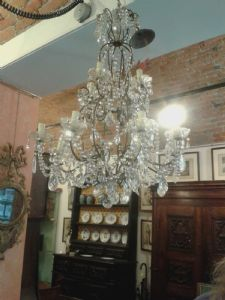 DROPPER CHANDELIER
