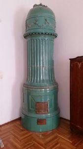 XIX века антикварная печь.