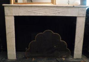 chm316 camino in marmo bianco neoclassico mis. 150 xh101 p.29 cm