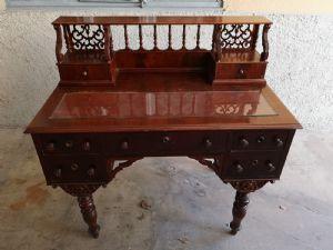 Генуэзский письменный стол