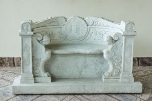 BENCH IN MARBLE