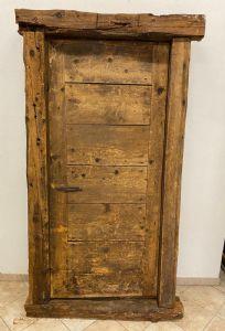 Рустикальная дверь с коробкой