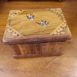 Sorrento small box with secret