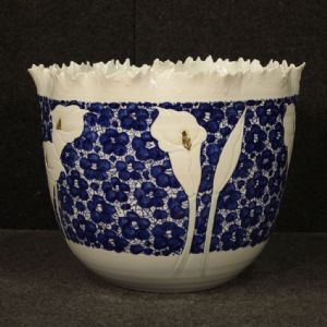 Chinese painted ceramic vase with calla lilies