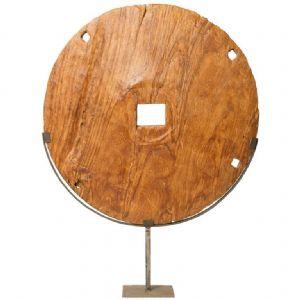 Ruota in legno arcaica