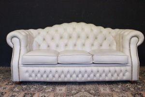 Divano 3 posti Chesterfield stondato in pelle bianco crème chiaro originale UK