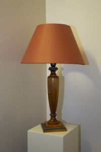 Lampada in legno '900