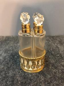 Perfume holder with 4 compartments in crystal and brass.