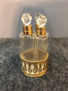 香水架,带有4个水晶和黄铜制隔层。