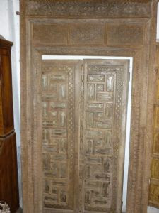 Indian door with majesty.