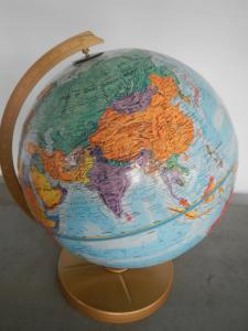 mappa mondo in rilevo anni 50