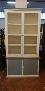 Schabby bookcase
