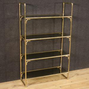 Libreria italiana in metallo dorato con ripiani in vetro