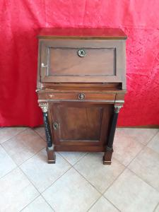Piccolla ribaltina empire early 1800 Lombard with backs and back in solid walnut characteristic of the Lombard furniture Corinthian capital h 102xl55xp45 guarantee terms of the law