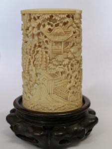 Escultura de marfil