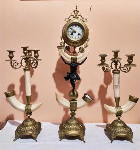 Tríptico de antimônio e chifres de marfim Época Napoleão III