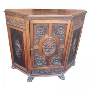 antique notched sideboard in refined walnut carving, late 19th century. NEGOTIABLE PRICE