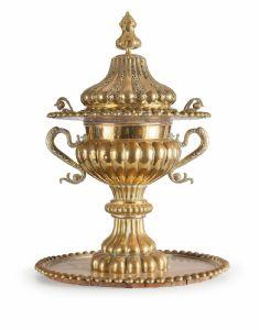 Monumentale incensiere in metallo dorato