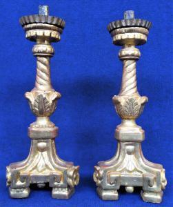 Coppia candelieri Luigi XVI in legno dorato - Italia XVIII sec.