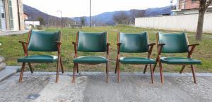 Cuatro sillas vintage de los años 50