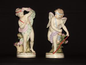 Coppia di amori in porcellana