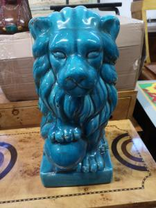 Leão de cerâmica