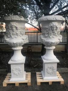Vasi in marmo 45x45x180h