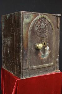 Caja fuerte original inglesa de Milners de mediados del siglo XIX con llave
