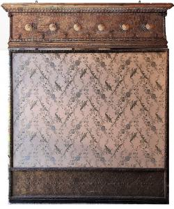 Coat stand in embossed sheet metal. Measure cm h. 203x181