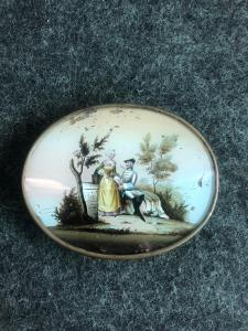 Box with metal profile. Cover with gallant scene painted on glass. France