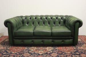 Divano Chesterfield club originale 3 posti verde chiaro