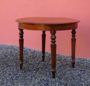 Tavolo tondo allungabile in noce, gamba tornita, piccole dimensioni, '800!