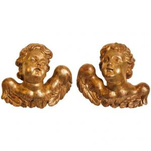 par de anjos do século XVIII em madeira dourada
