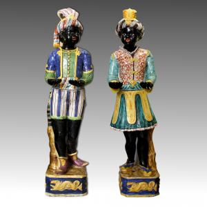 Mondovi '(?) Ancient and rare pair of men and women of polychrome pottery servants