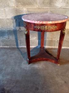 Antique and Elegant Empire Coffee Table - Retorno do Egito - Restaurado (em progresso)