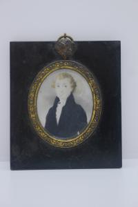 Miniatura sobre marfil, retrato de un noble de principios del siglo XIX.
