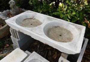 dars446 - lavandino in marmo, epoca '800, misura cm l 110 x h 13 x p. 51