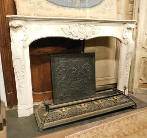 chm512 Italian fireplace in white marble, carved, eighteenth century, mis. 181 cm xh 121