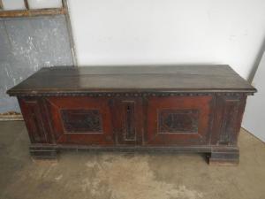 18世纪的镶嵌核桃长椅