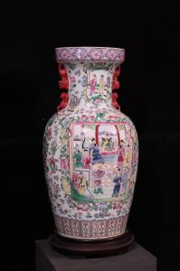 Gran jarrón de porcelana, China, siglo XX