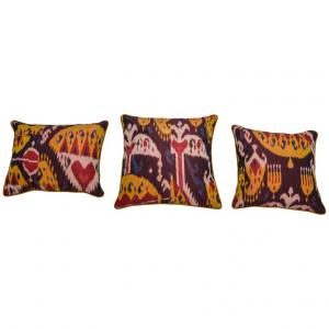 Set of three cushions made with an ancient silk IKAT